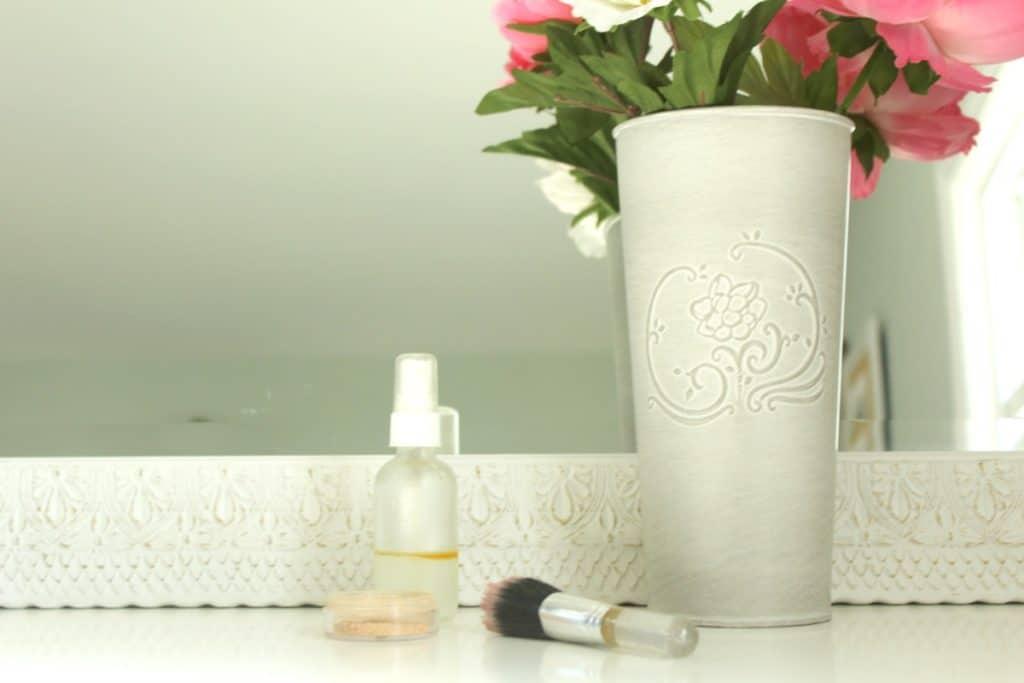 DIY Makeup Setting Spray Dresser