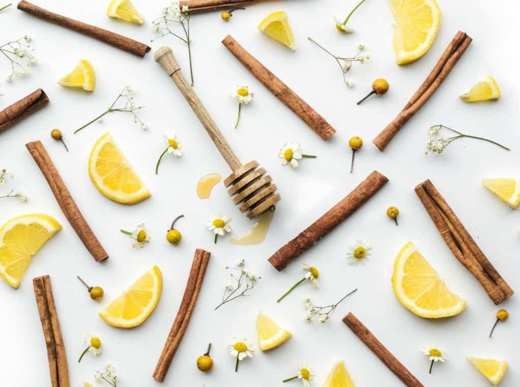 DIY-Cinnamon-Face-Mask-Honey-Lemon