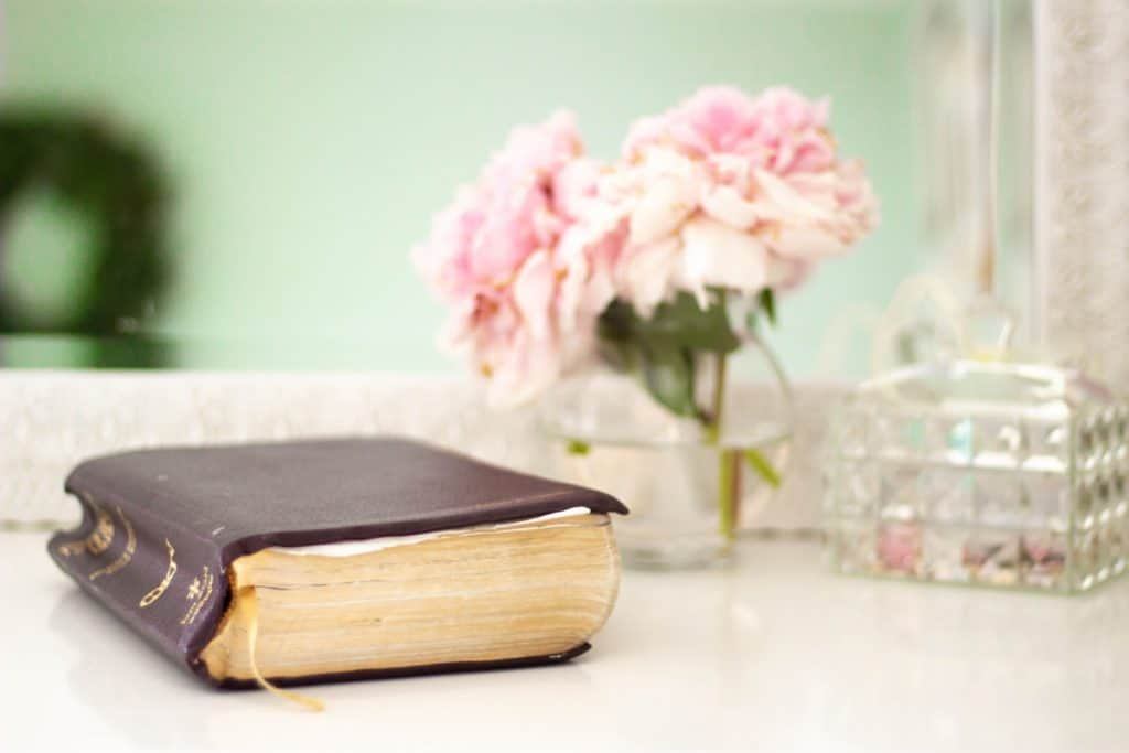 Devotional for Women _ Simplify